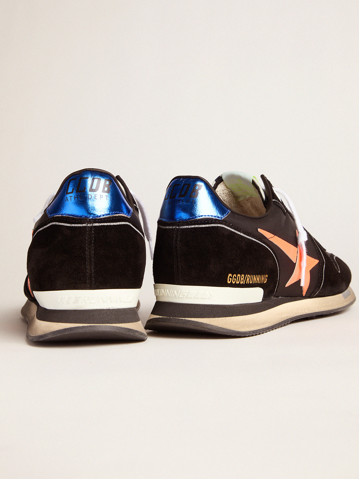 Golden Goose - Sneakers Running nere con stella arancio fluo in