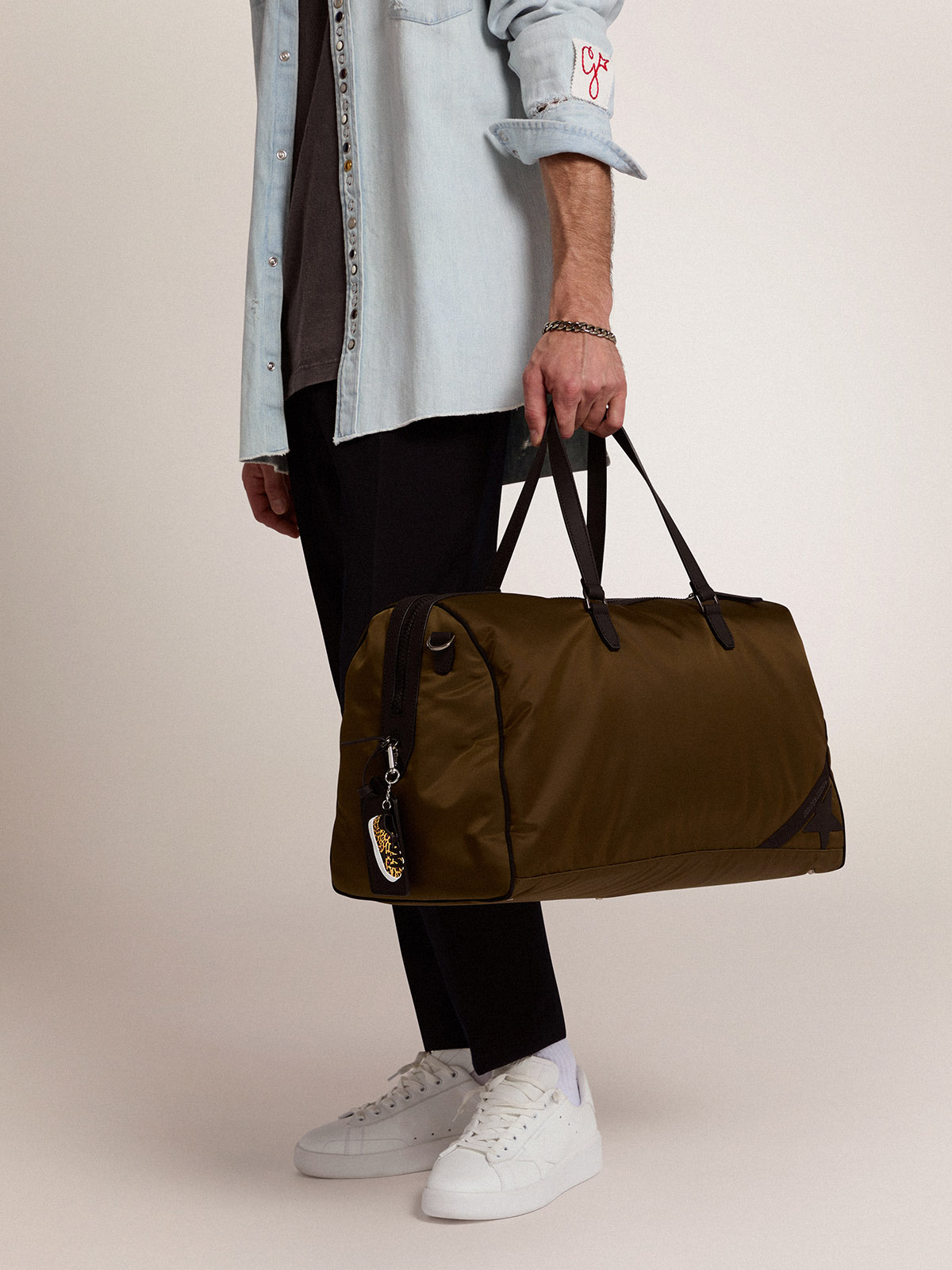Golden Goose - Journey Duffle Bag in military-green nylon in
