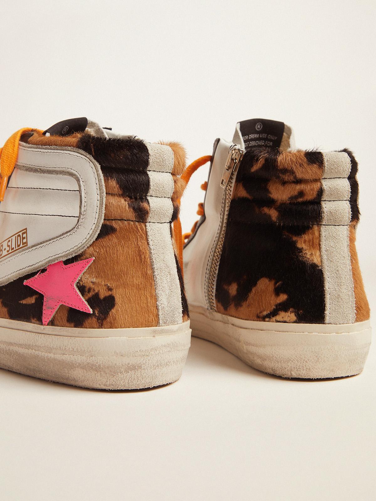 Golden Goose - Sneakers Slide in cavallino, pelle e suede con lacci arancioni e stella fucsia   in