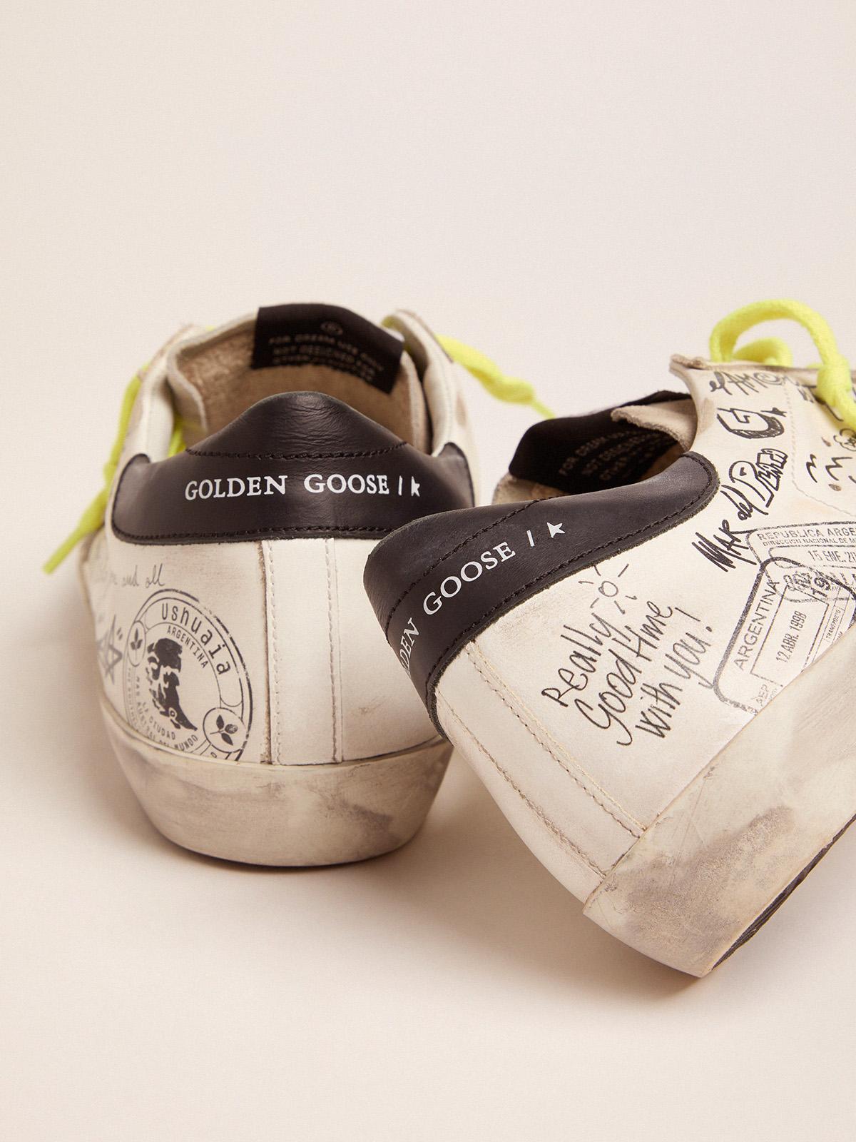 Golden Goose - 여성 Super-Star 스니커즈, 그래피티 여행 in