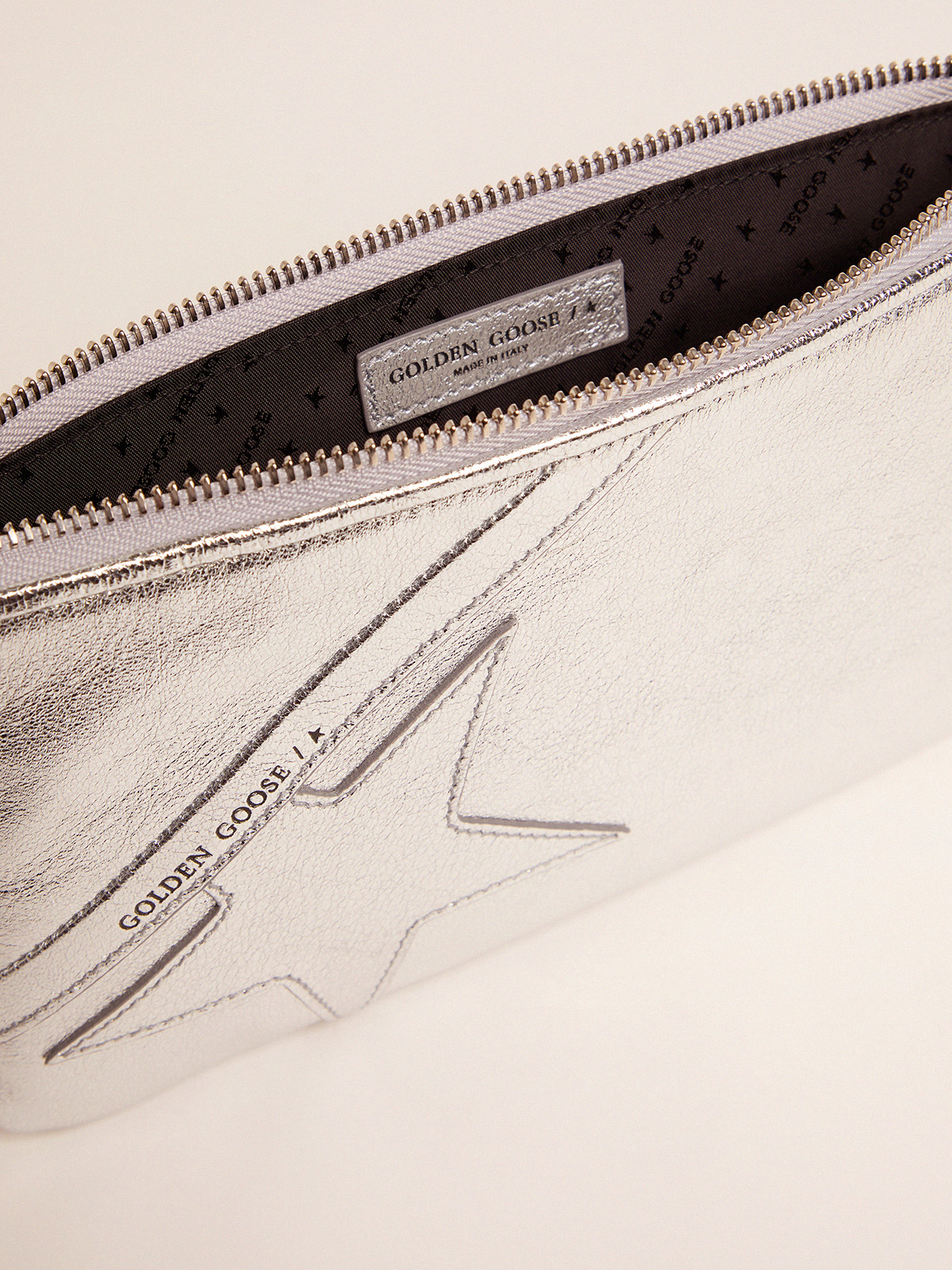 Golden Goose - Silver Star Wrist clutch bag   in