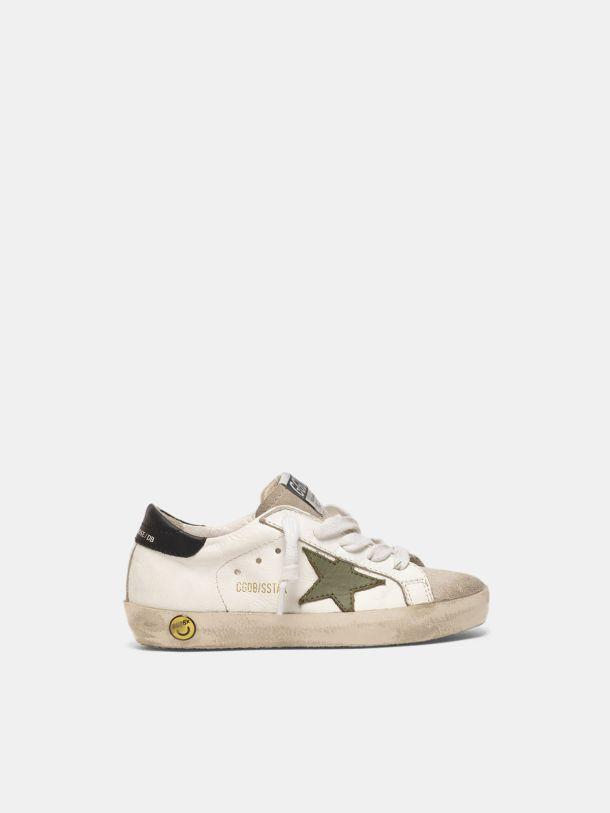 Golden Goose - Sneakers Super-Star avec étoile vert militaire et talon noir in
