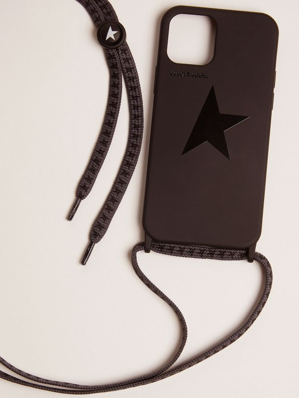 Funda para iPhone 12 y 12 Pro de color negro con estrella tono sobre tono
