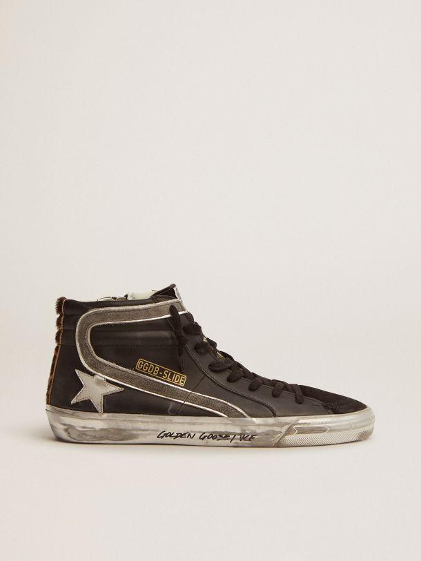Sneaker Slide in pelle nera e talloncino in cavallino leopardato
