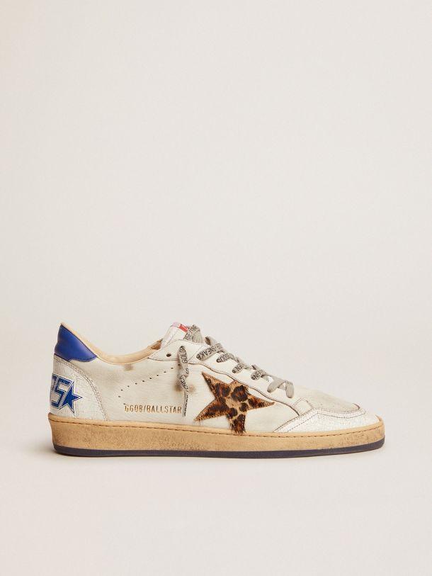 Golden Goose - Zapatillas deportivas Ball Star de piel blanca con detalles azulados in