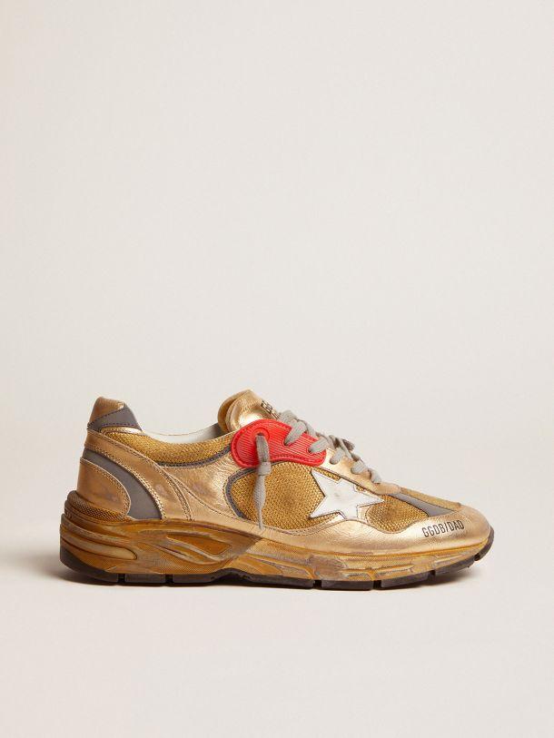 Sneakers Dad-Star dorées avec finitions effet usé