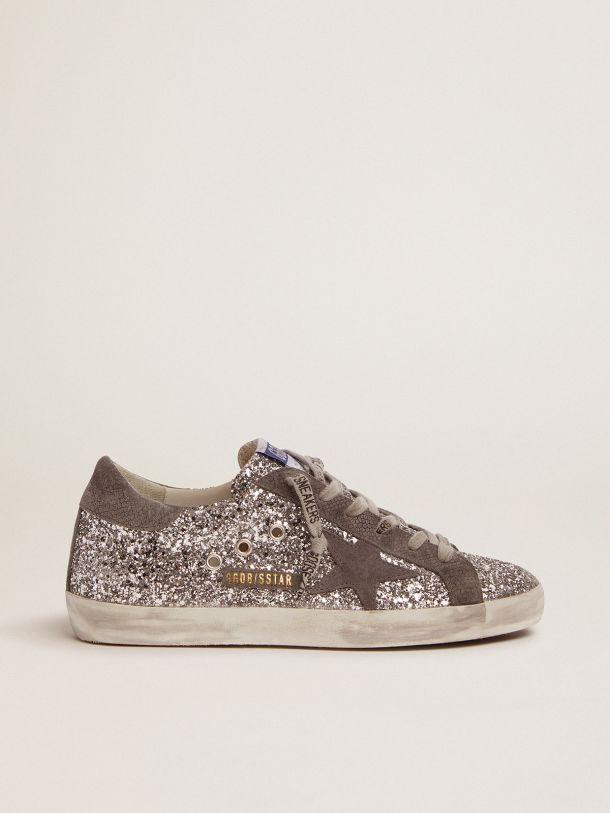 Golden Goose - Sneaker Super-Star in glitter argento e suede grigio scuro in