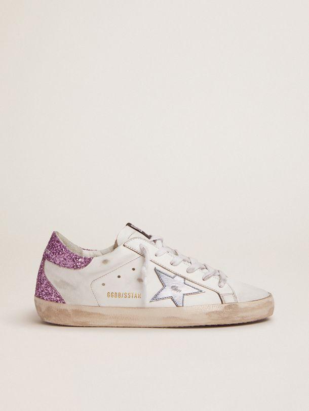 Golden Goose - Sneaker Super-Star con talloncino in glitter viola lavanda e stella azzurra in pelle laminata in