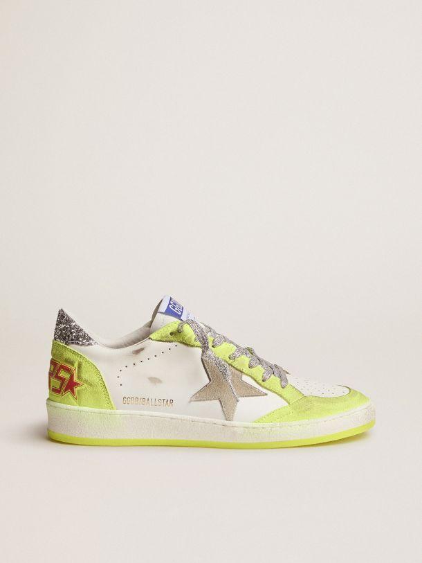 Golden Goose - Sneakers Ball Star bianche con inserti giallo fluo e glitter in