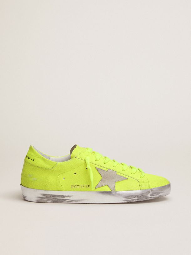 Golden Goose - Super-Star sneakers in fluorescent yellow crackle-effect leather in