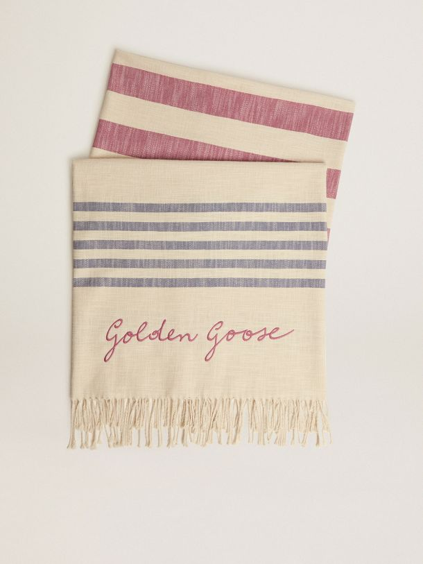 Golden Goose - Telo da mare Egeo Capsule Collection Golden Resort in cotone bianco vintage con righe blu e rosse e frange intrecciate sul fondo in