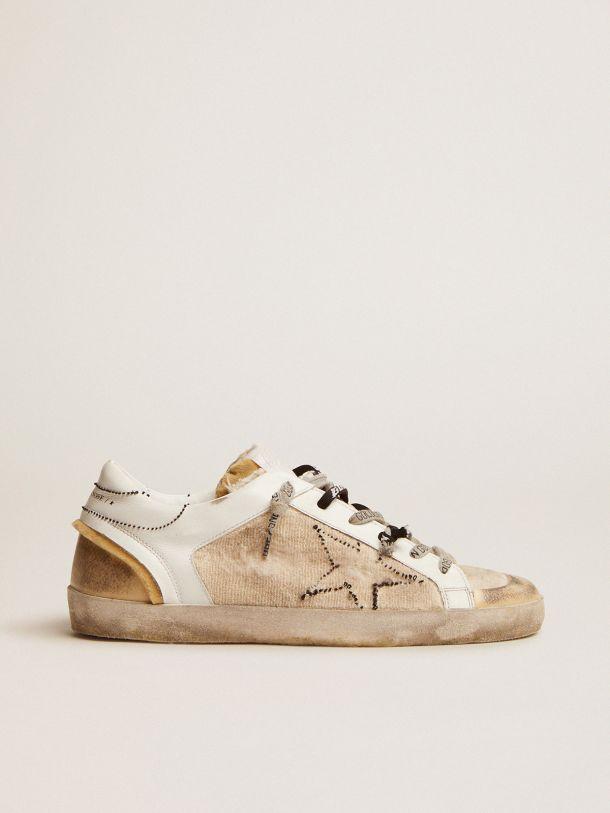 Golden Goose - Sneakers Super-Star effet retourné de couleur blanc et beige in