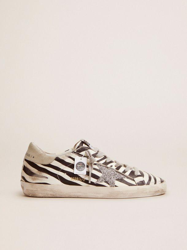 Golden Goose - Sneaker Super-Star LTD in cavallino animalier e stella  in cristalli Swarovski in
