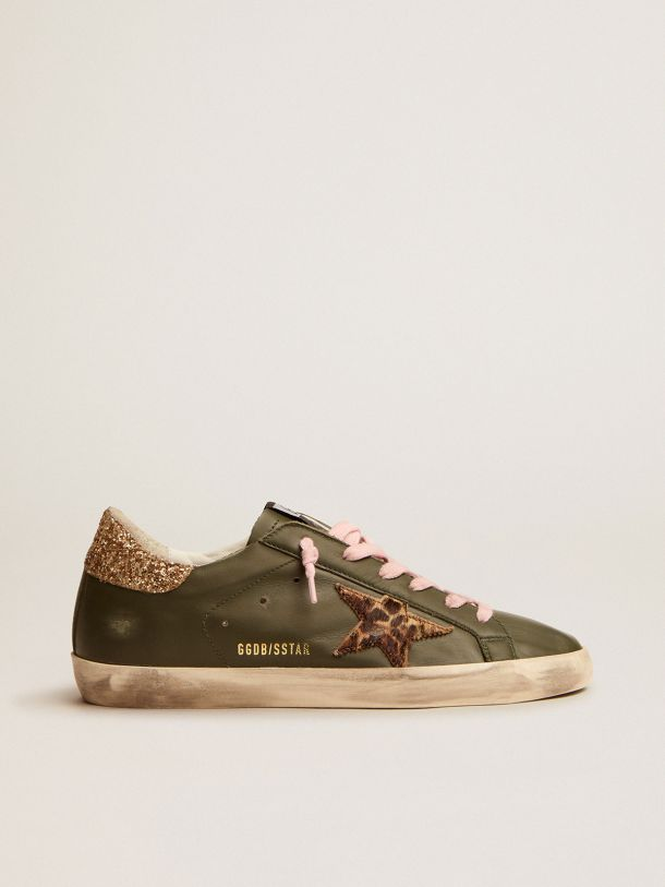 Golden Goose - Super-Star sneakers in dark green leather with gold glitter heel tab in