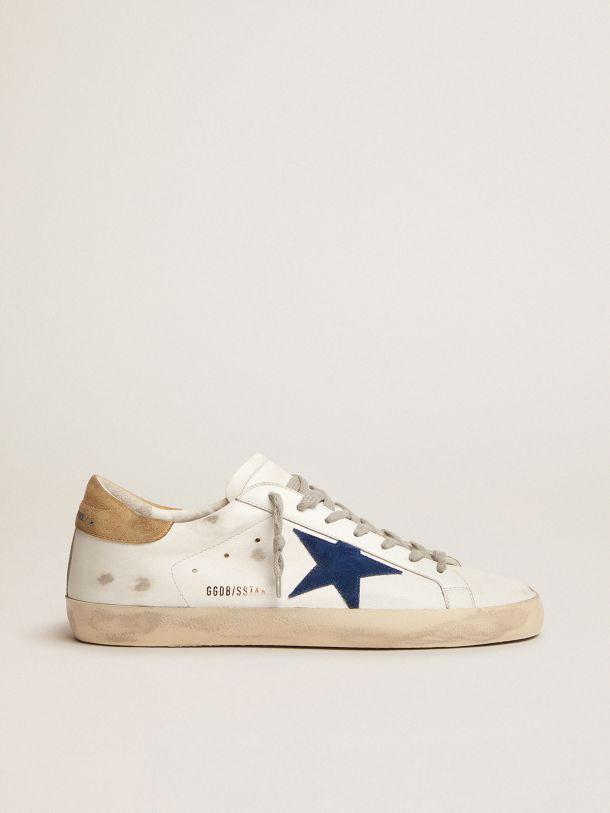 Golden Goose - Zapatillas deportivas Super-Star con refuerzo del talón de ante color arena y estrella de ante azul in