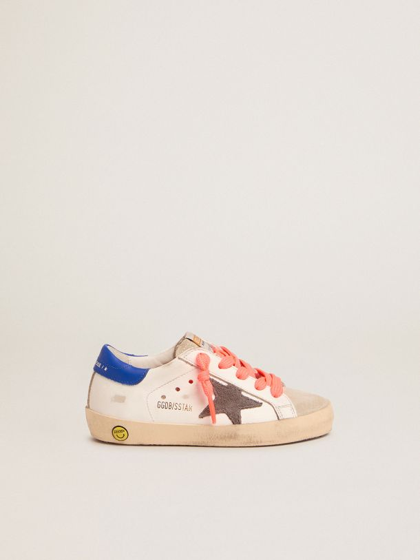 Super-Star sneakers with blue heel tab and red laces