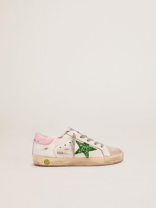 Golden Goose - Zapatillas deportivas Super-Star con estrella de purpurina verde y refuerzo del talón rosa in