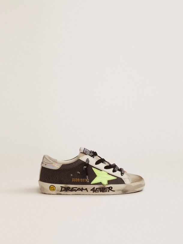 Golden Goose - Sneaker Super-Star in pelle cracklè e stella giallo fluo in