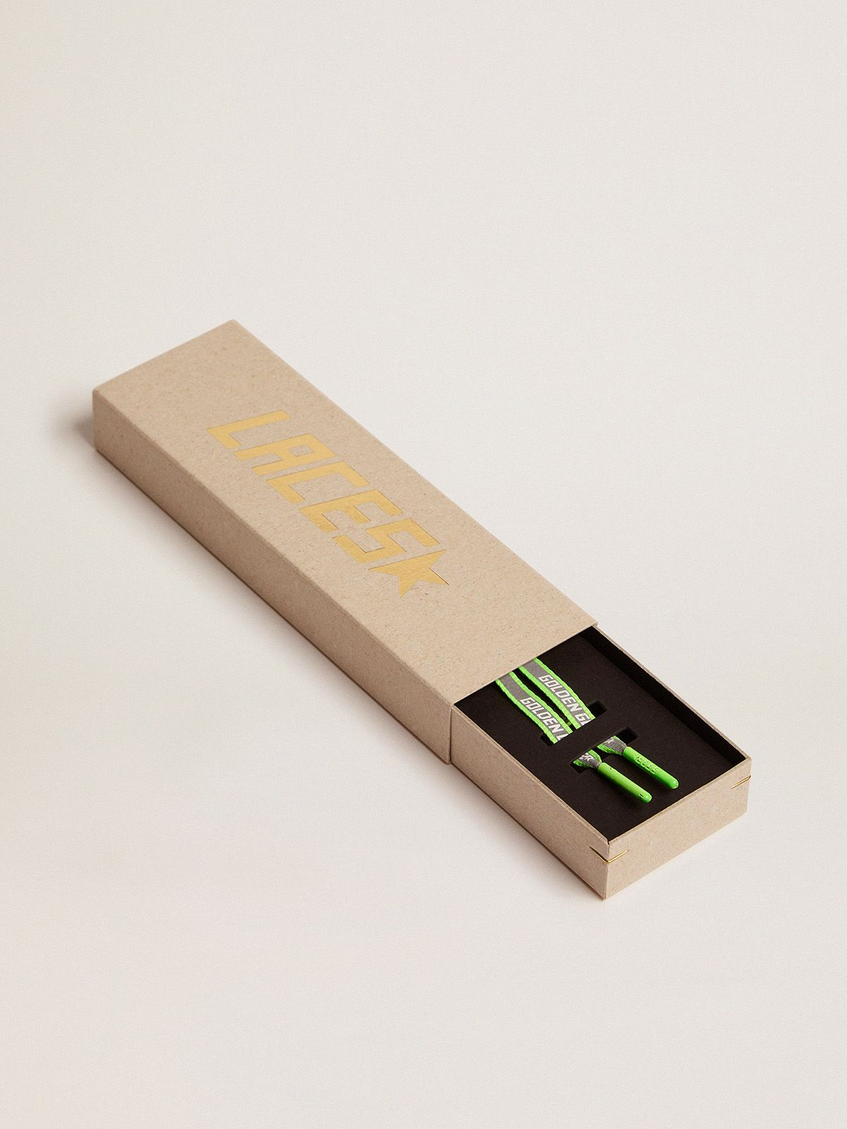 Golden Goose - Lacci uomo riflettenti verde fluo con logo   in