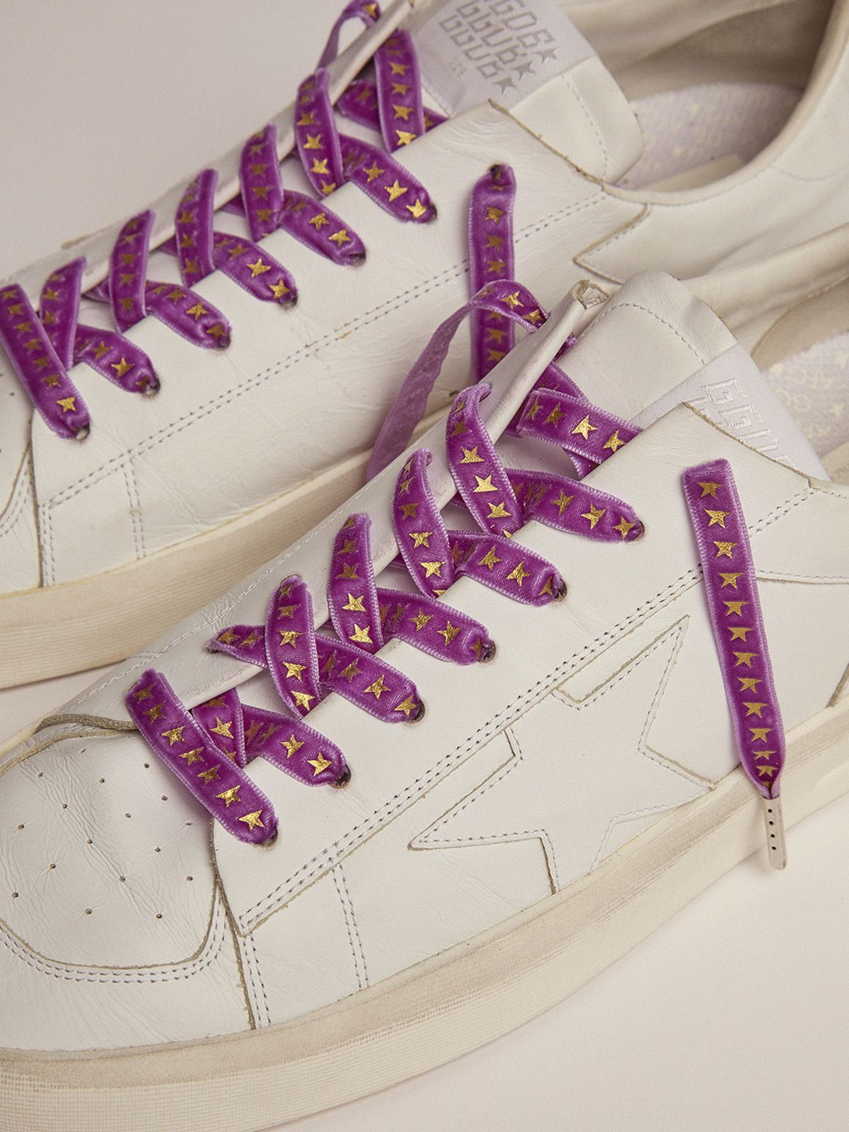 Golden Goose - Women's purple velvet laces with gold stars in