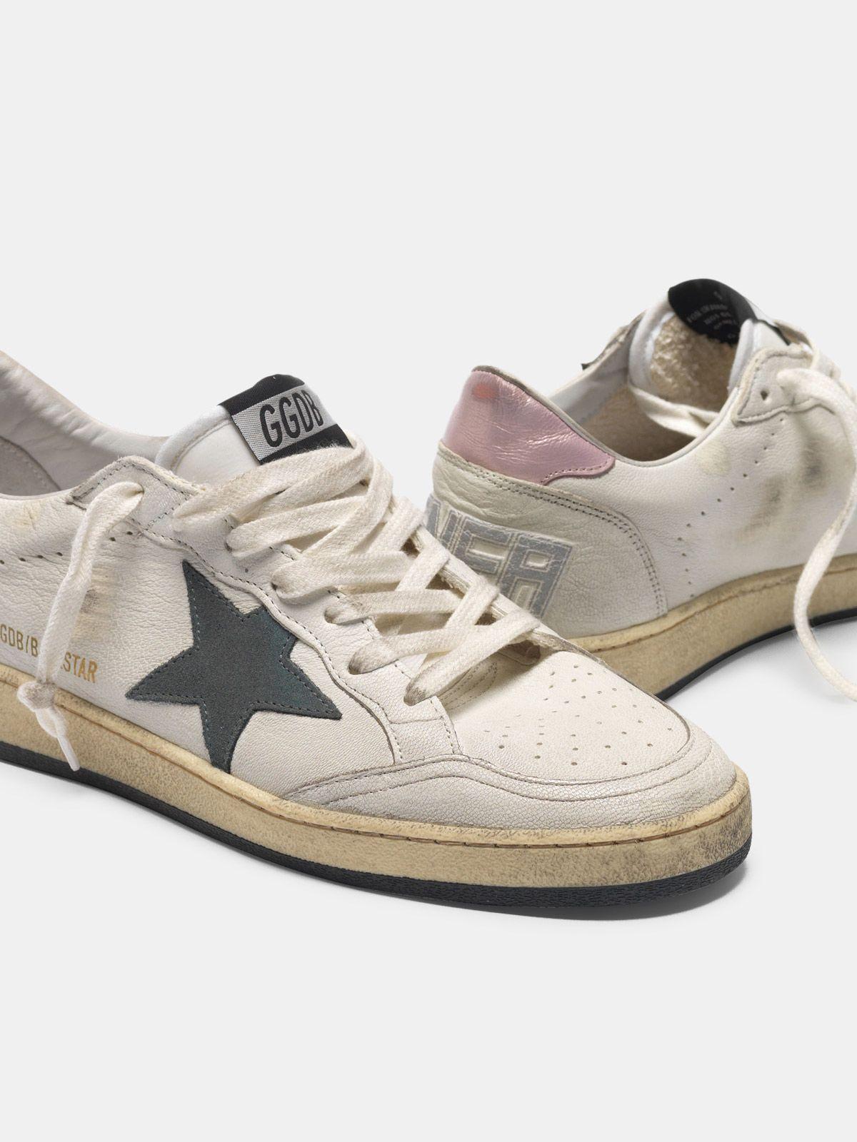 Golden Goose - Sneakers Ball Star con stella in suede e talloncino rosa in