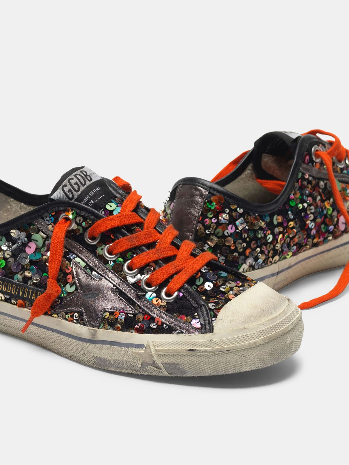 Golden Goose - V-STAR sneakers with all-over sequins and metallic star in