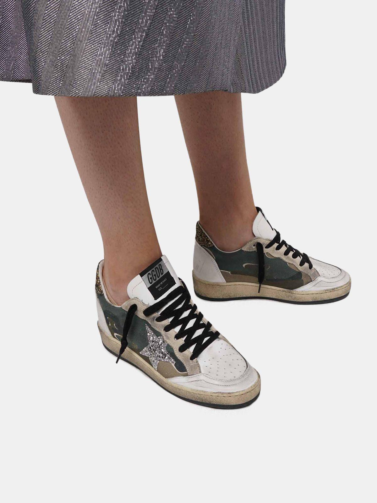 Golden Goose - Sneakers Ball Star camouflage con stella e talloncino glitter in