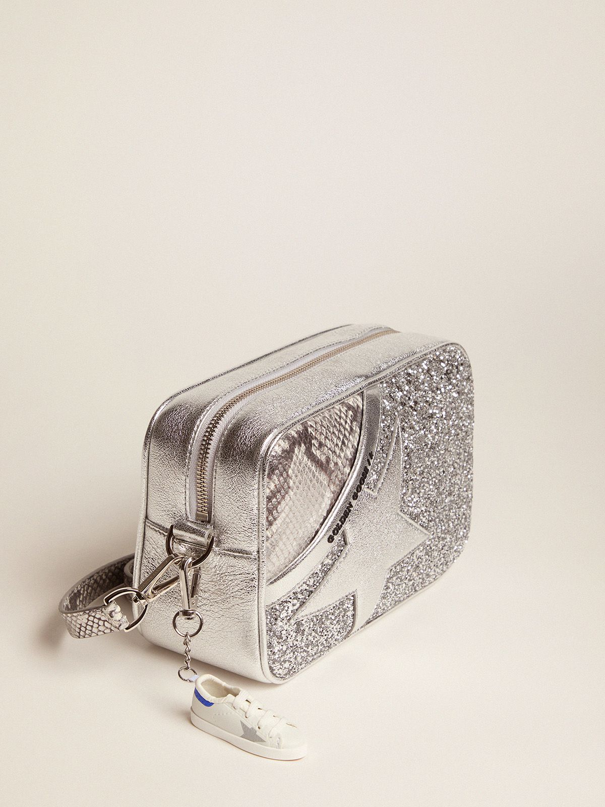 Golden Goose - Star Bag made of silver snake-print leather and glitter in