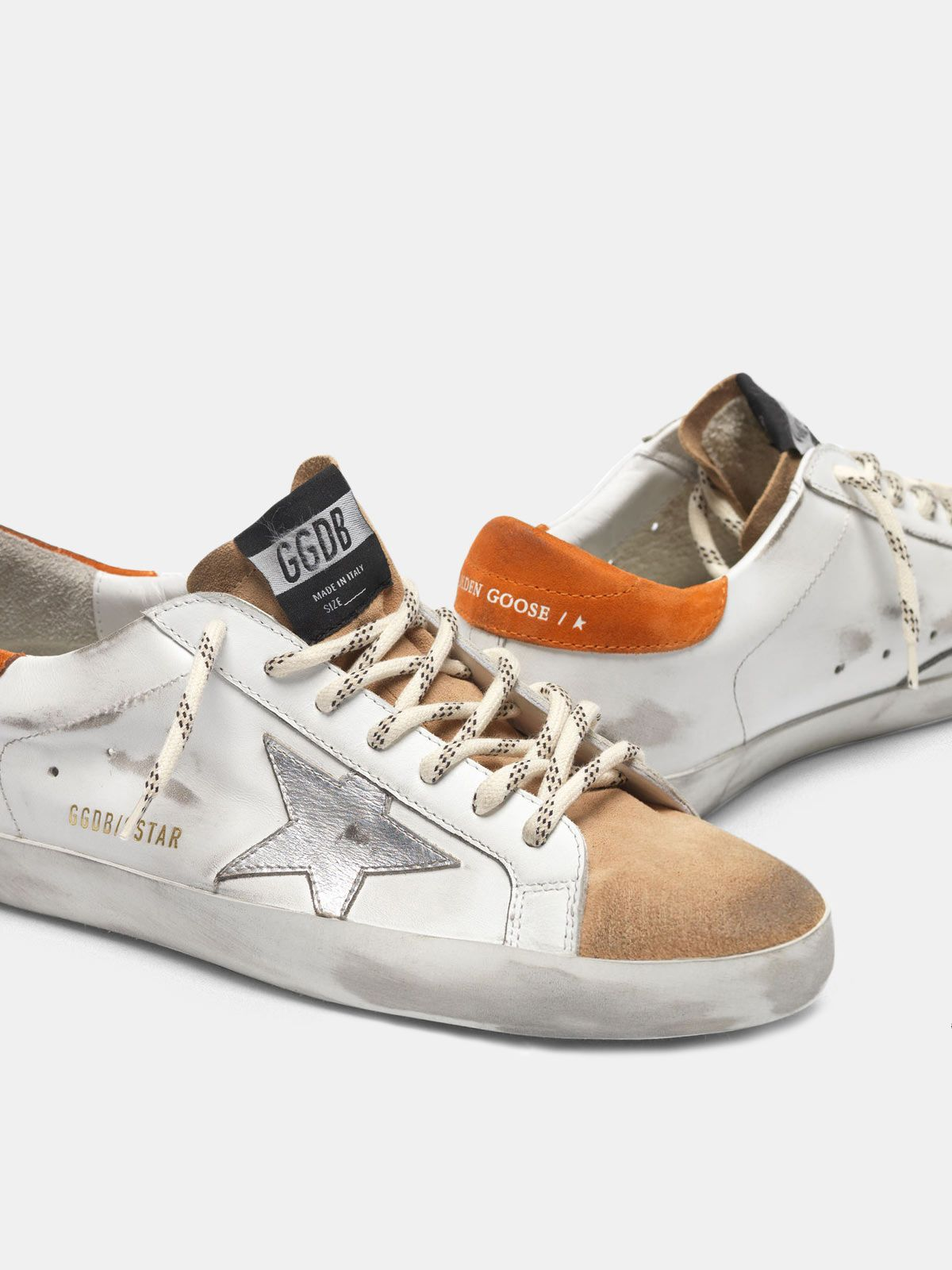 Golden Goose - Sneakers Superstar bicolore con stella argento in