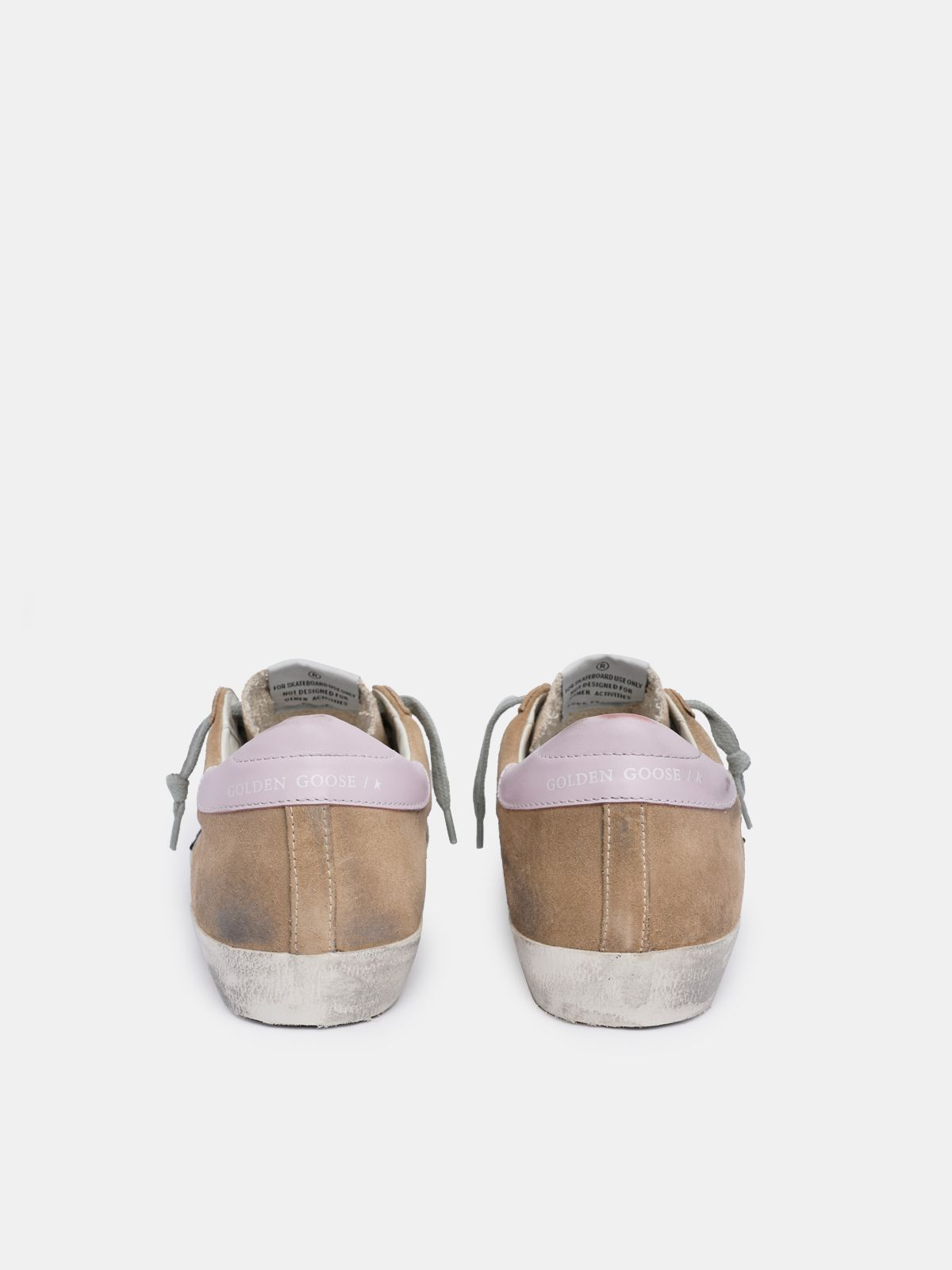 Golden Goose - Sneakers Super-Star in suede marrone con talloncino rosa in