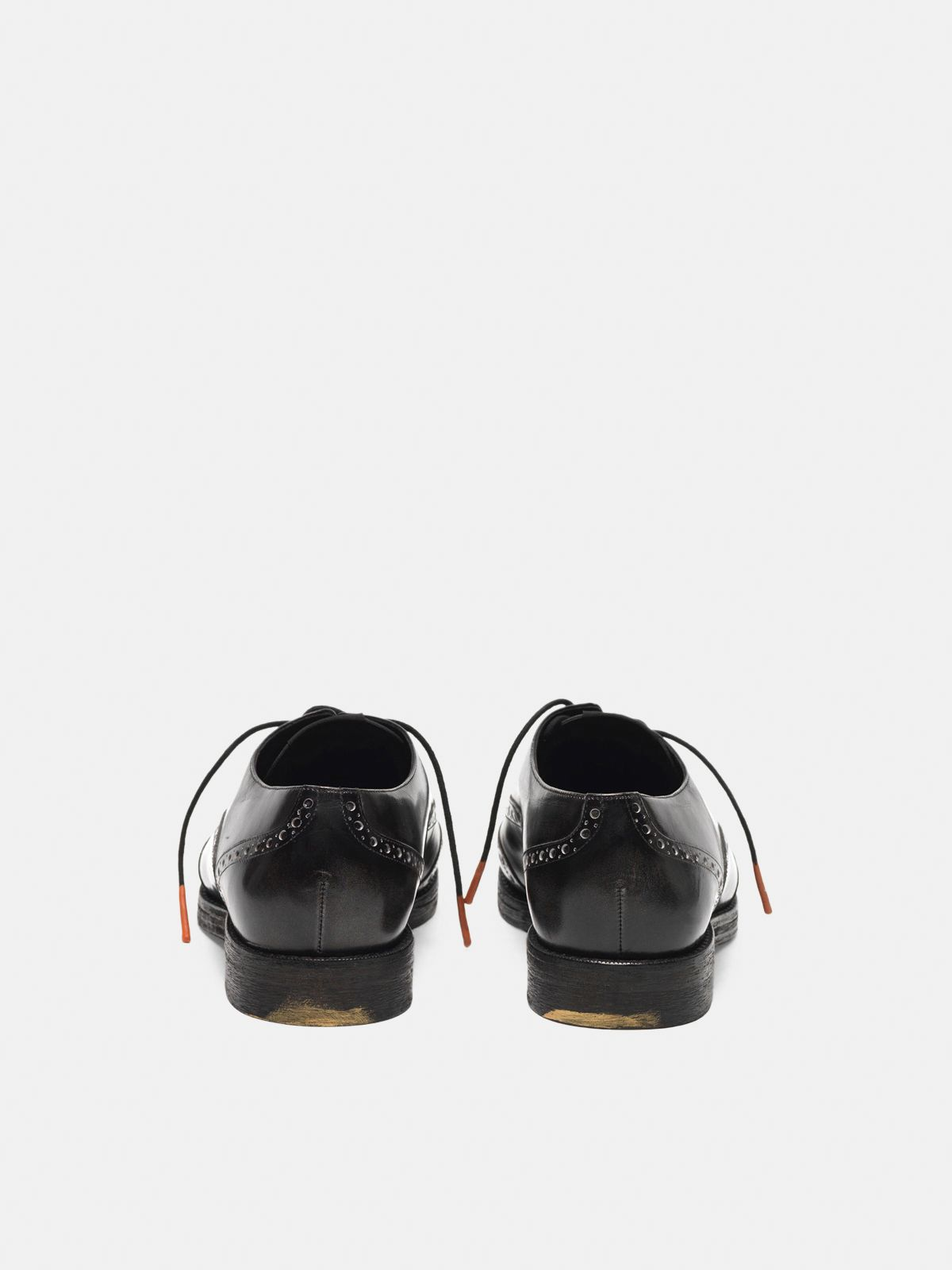Golden Goose - Ball shoes made of leather with brogue on the toe in