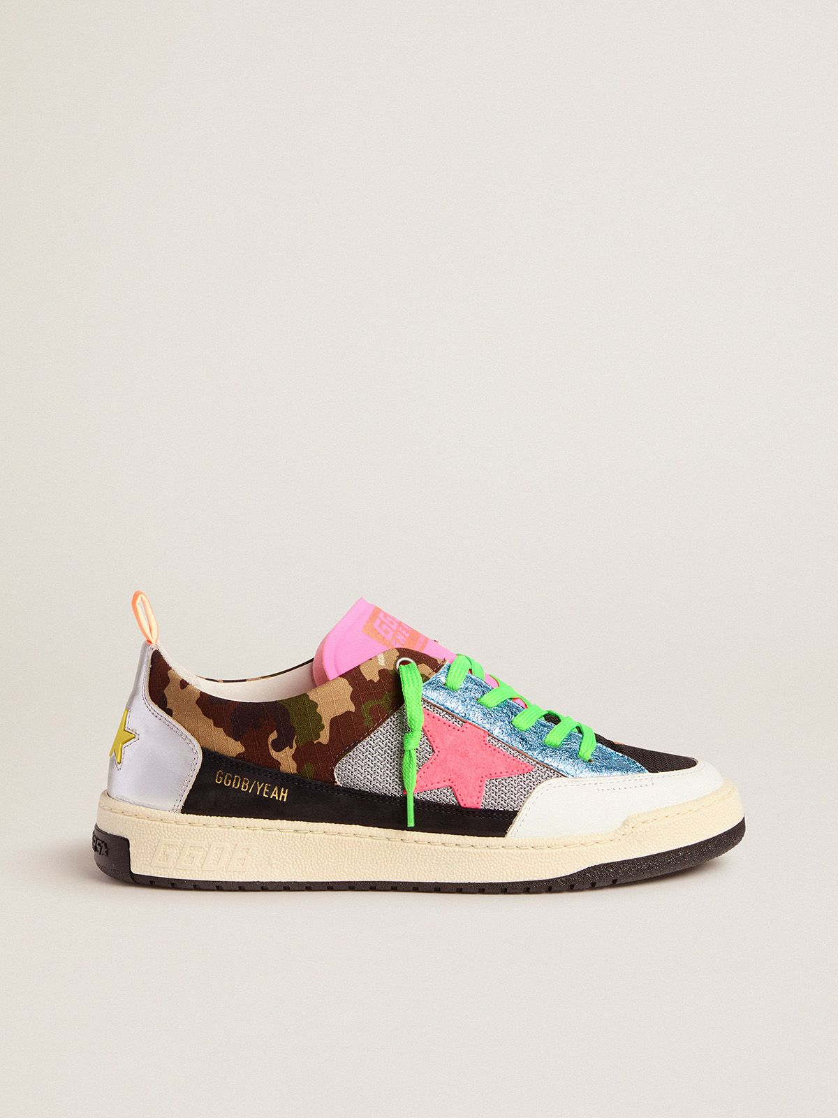 Men's camouflage Yeah sneakers with fuchsia star
