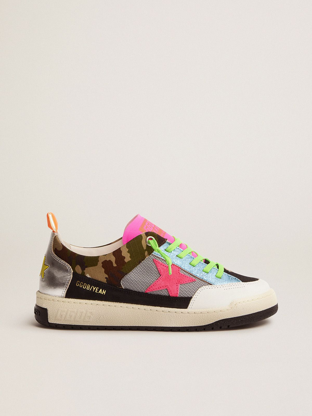 Women's camouflage Yeah sneakers with fuchsia star