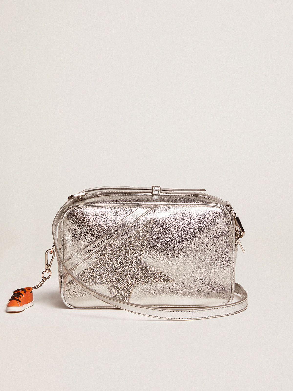 Borsa Star Bag argentata in pelle laminata con stella Swarovski