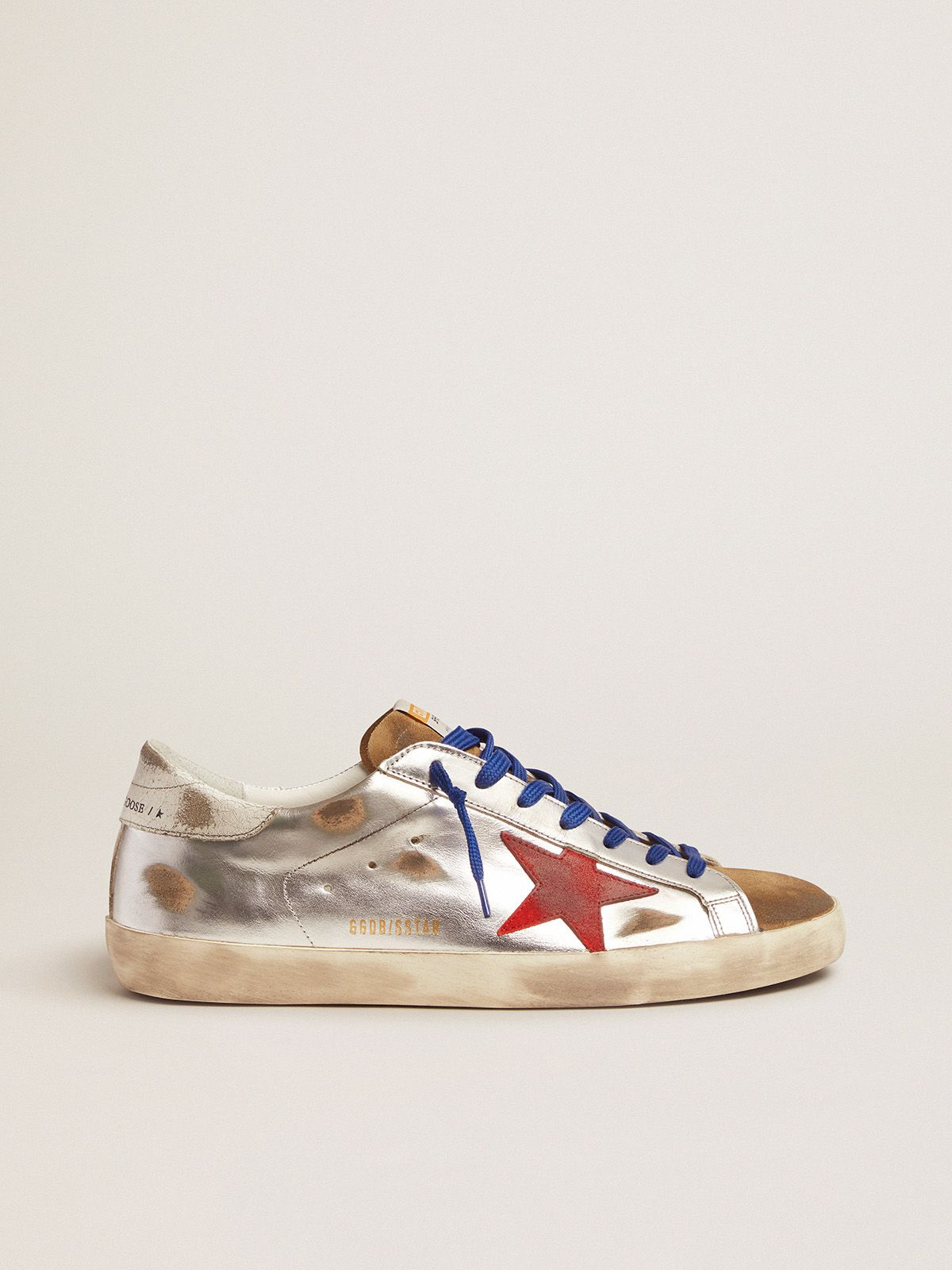 Golden Goose - Sneakers Super-Star in pelle laminata e suede con stella rossa in