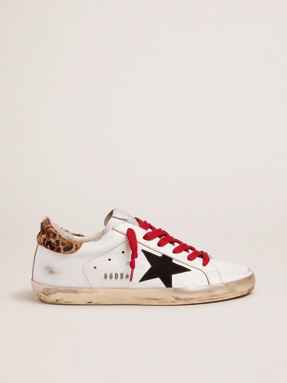 Golden Goose - Sneakers Super-Star con talloncino leopardato e lacci rossi in