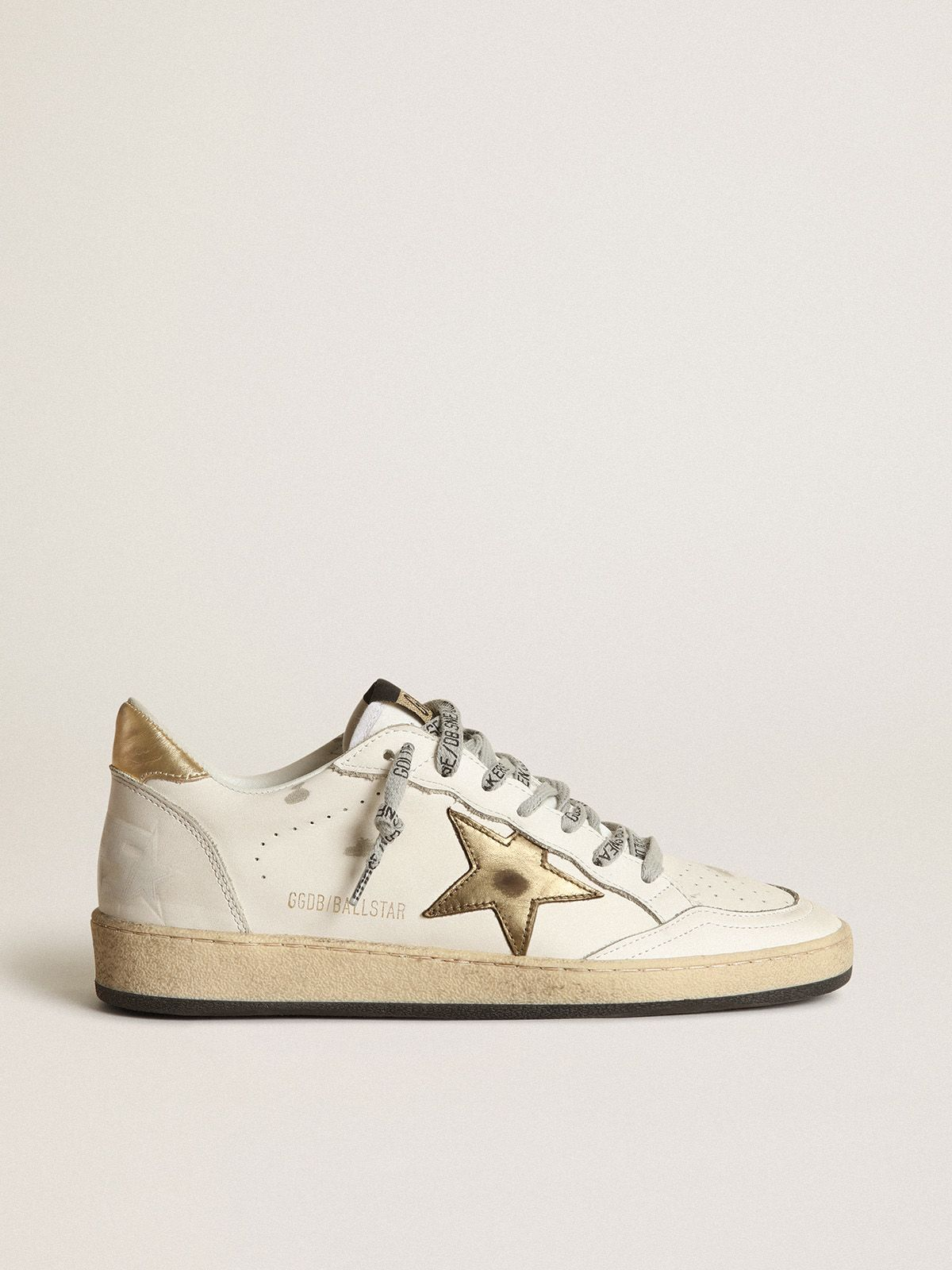 Golden Goose - Sneakers Ball Star con stella e talloncino dorati in